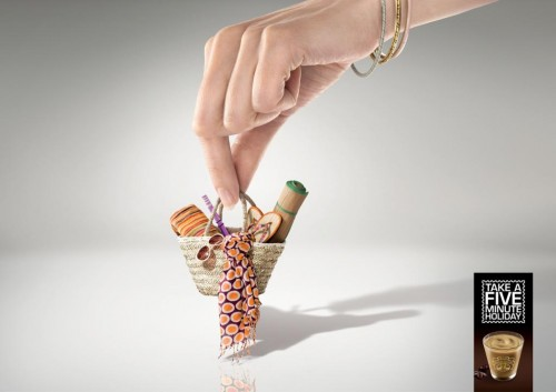 antica-gelateria-del-corso-a-small-holiday-woman-medium-justcreativeads